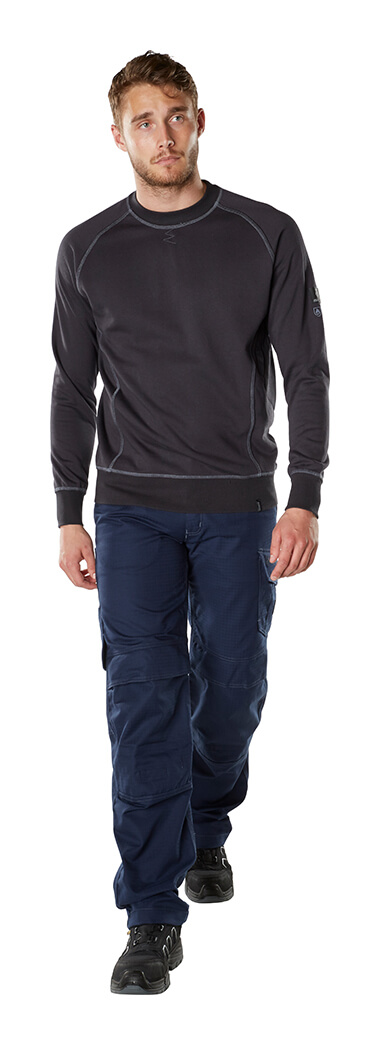 Model - Work Pants & T-shirt, long-sleeved - MASCOT® MULTISAFE