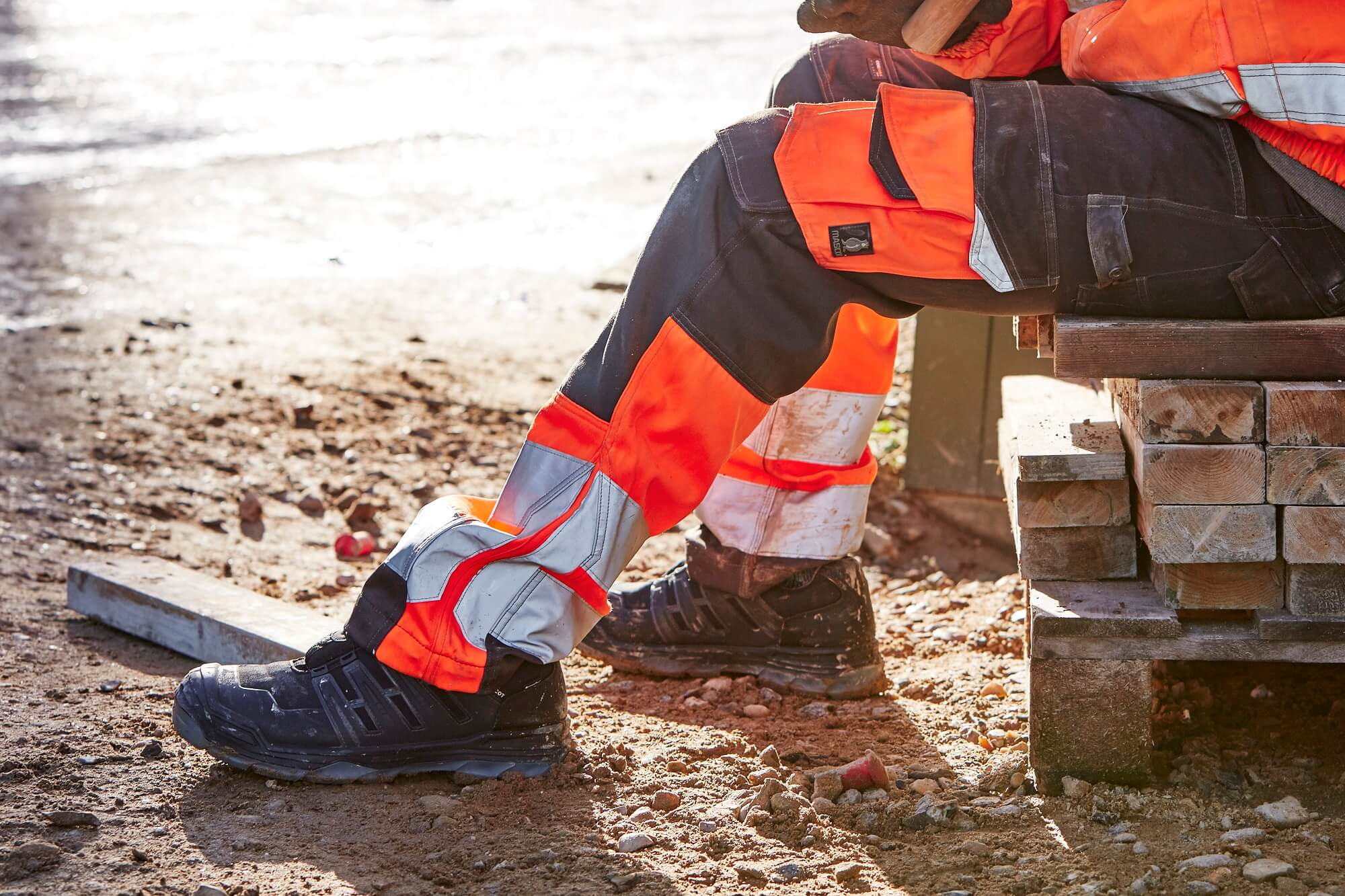 Hi-vis Pants & Safety Shoe - MASCOT® Workwear