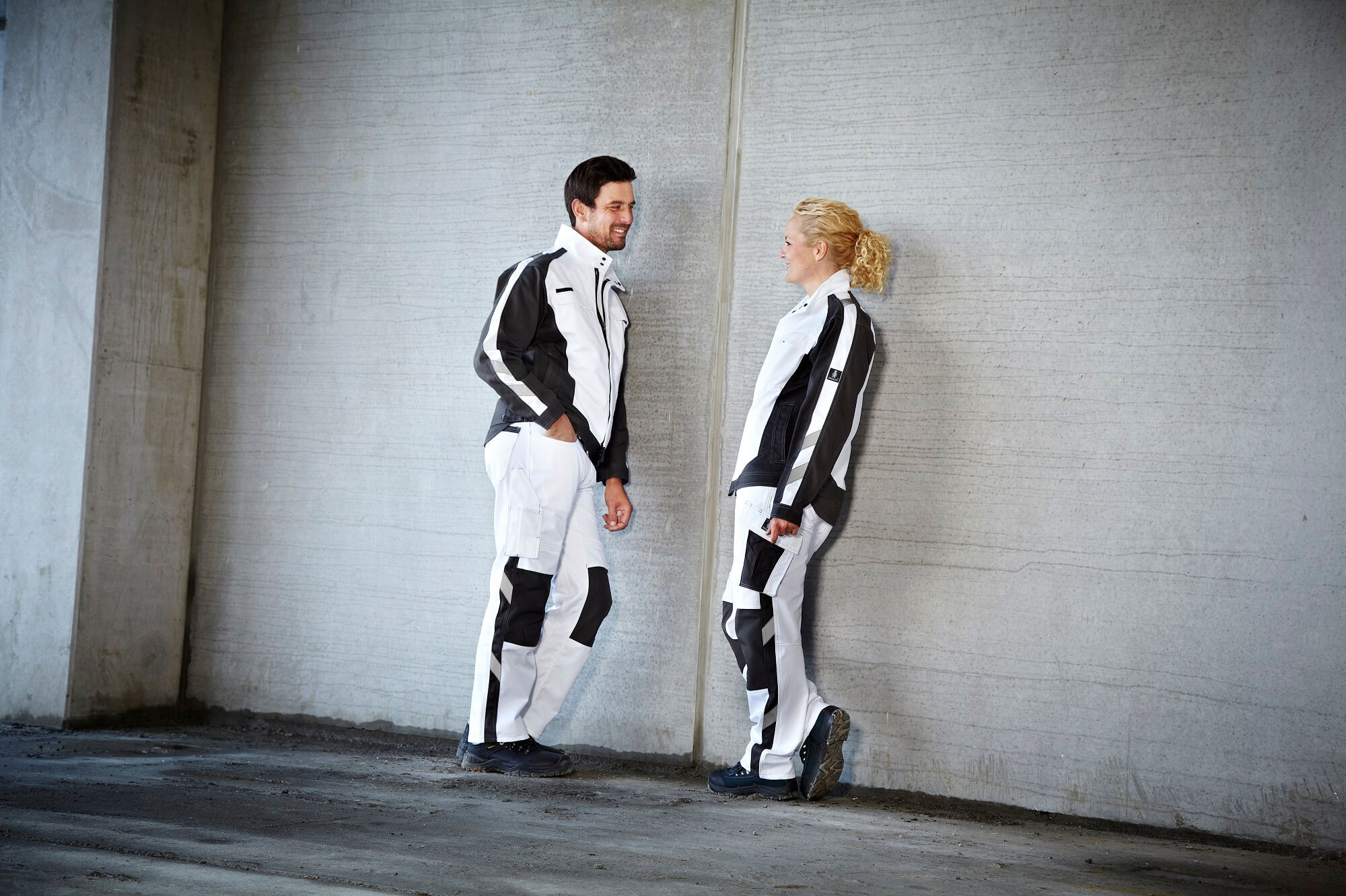 Workwear White - Woman & Man - MASCOT® UNIQUE - Environment