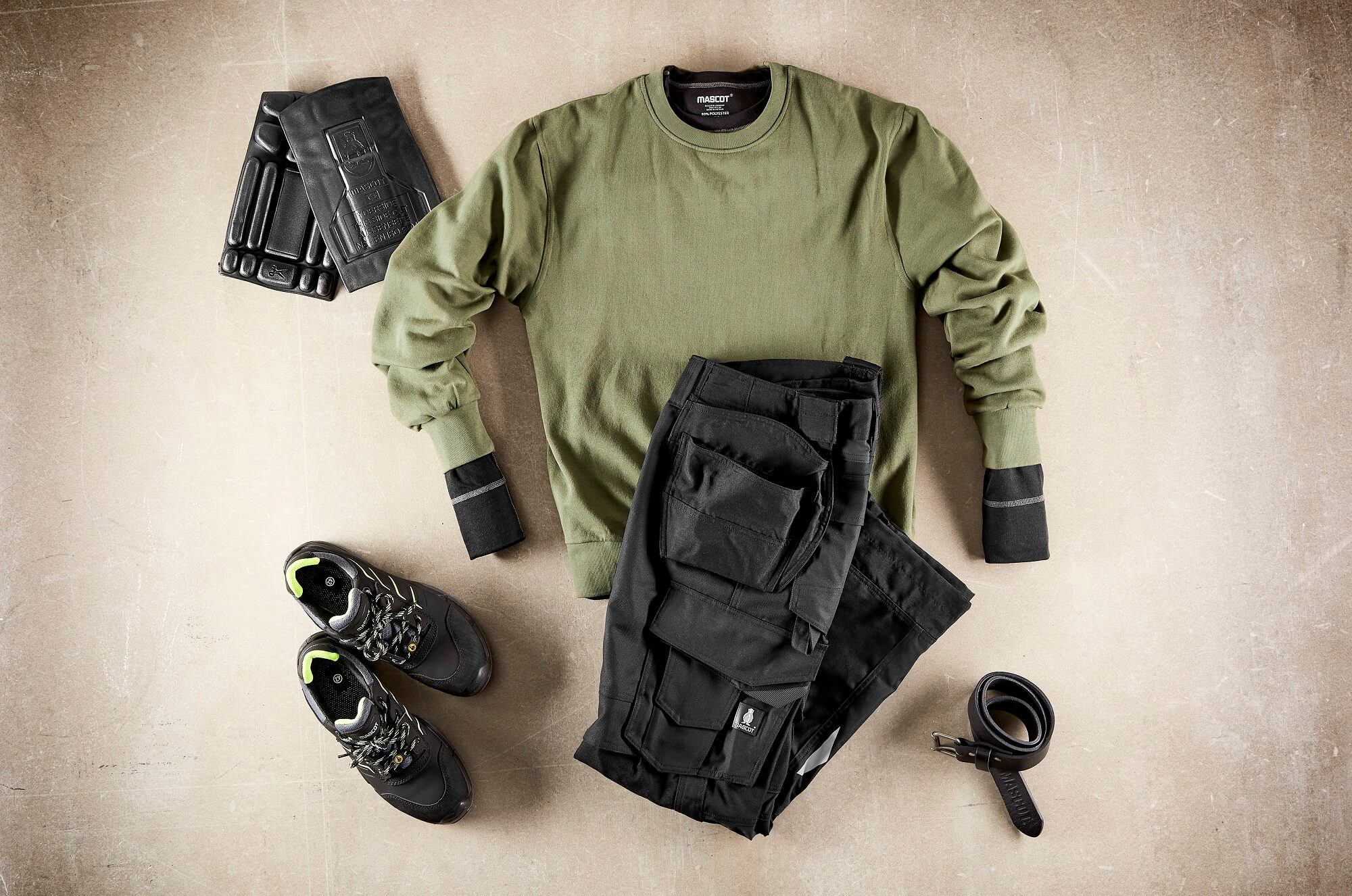 Sweatshirt, Work Pants, Kneepads & Safety Shoe - Olive green & Black