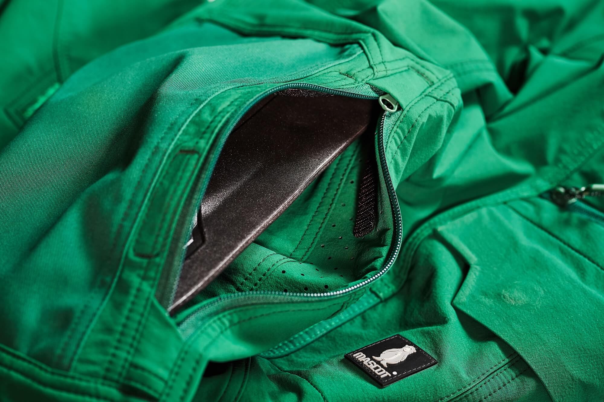 Kneepad pockets - Pants - Detail - Green