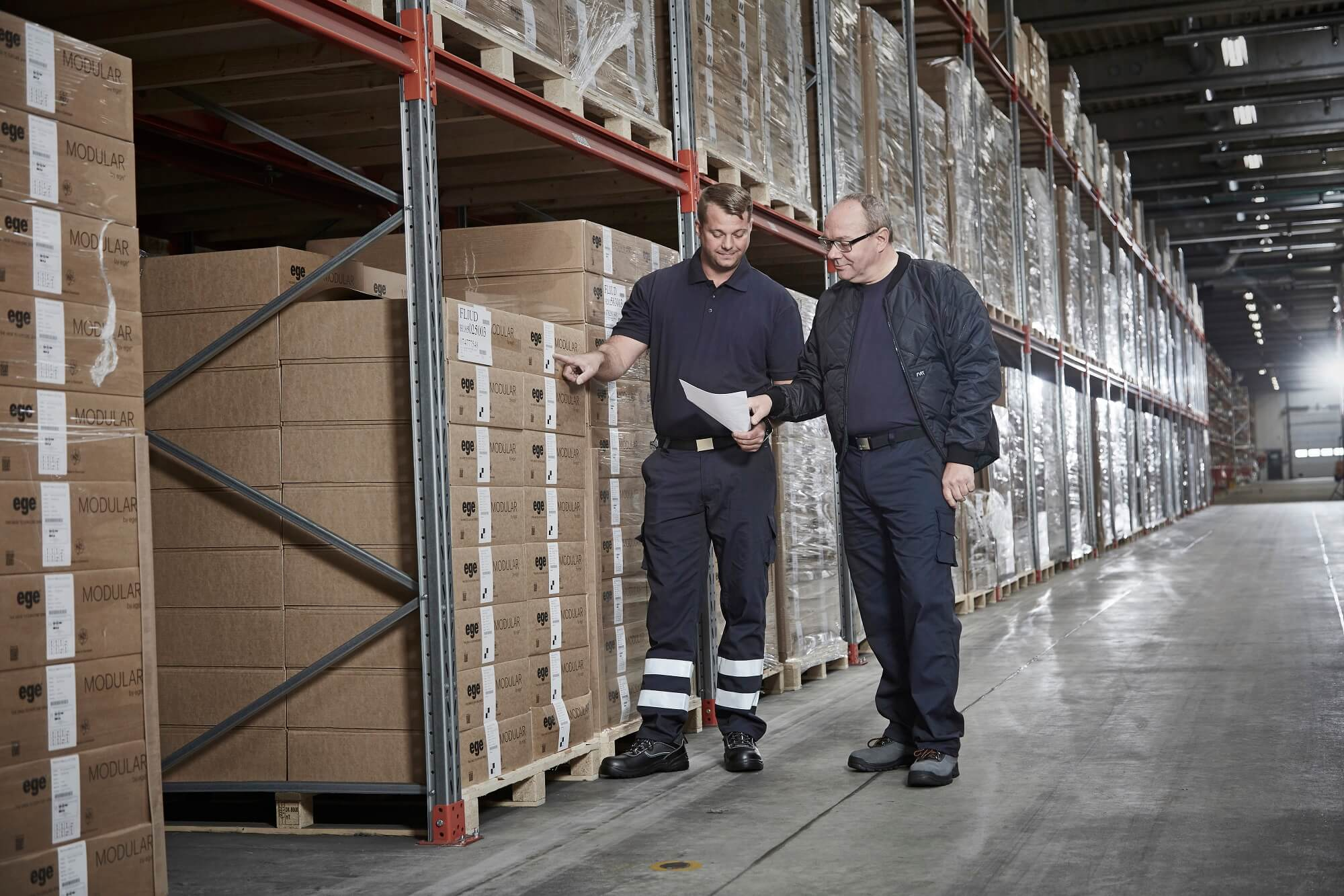 Warehouse workers - Work clothes - 2 Men